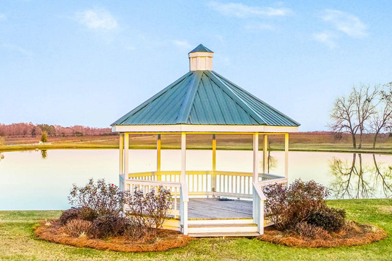 This Popular Barn Wedding Venue is Headed to Auction in ...