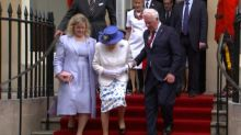 Gov. Gen. gets flak for helping Queen on stairs at Canada House