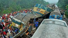 """Incidente ferroviario in Bangladesh: """"Tutti intorno a me piangevano"""""""