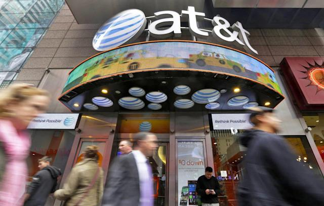 AT&T matches Verizon's $650 offer to swap carriers