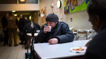 Wenn ihr in Cafés dieses Wort sagt, könnt ihr Obdachlosen helfen