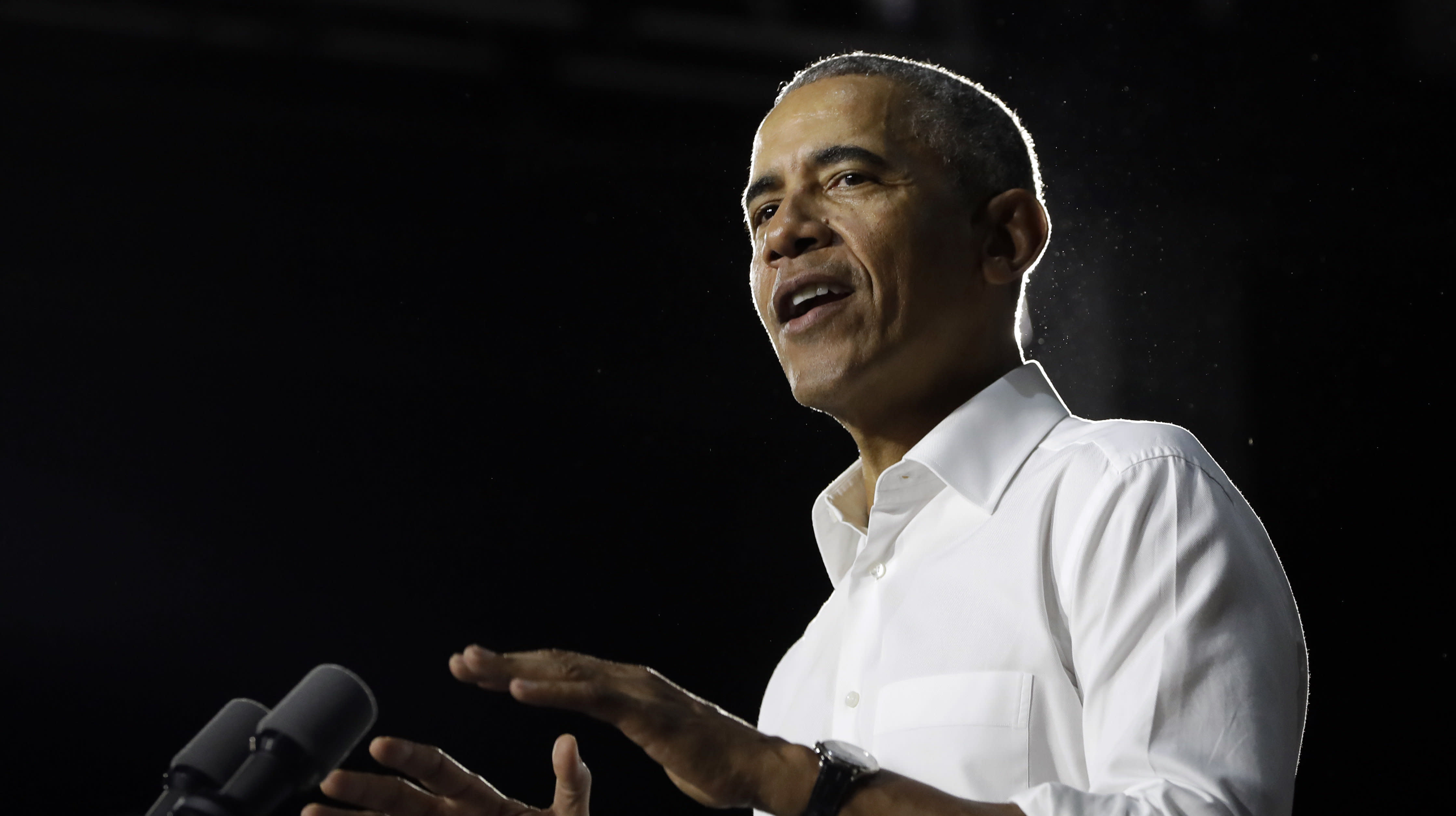 Obama Draws Excited Crowds Ordering Tacos In Miami While Campaigning In Florida
