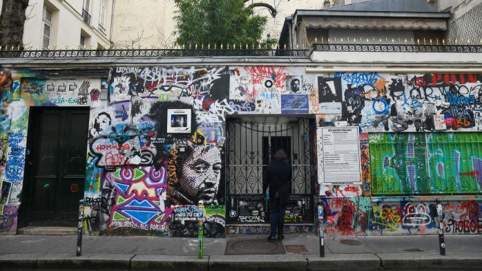 """Serge Gainsbourg disparaissait il y a 30 ans : sa fille Charlotte veut ouvrir sa maison au public  """"avant la fin de l'année"""""""