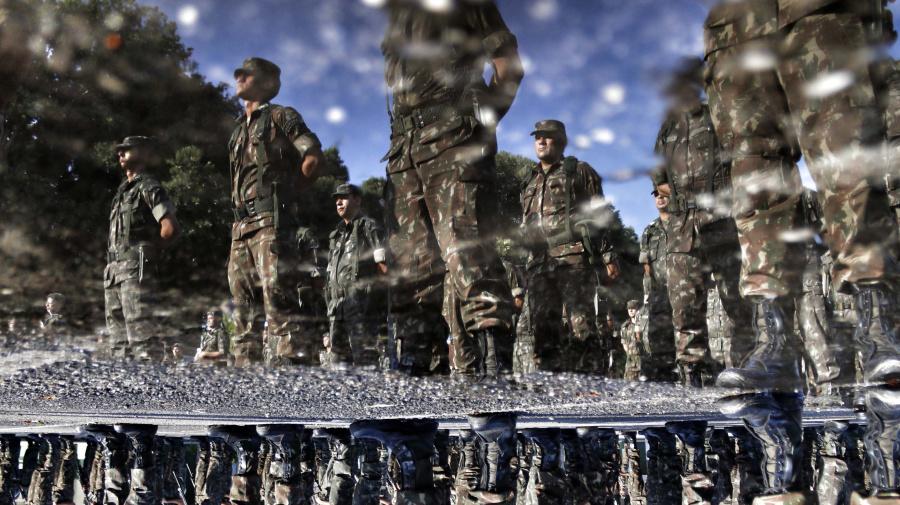 Proposta pode permitir militares 'burlem' concursos