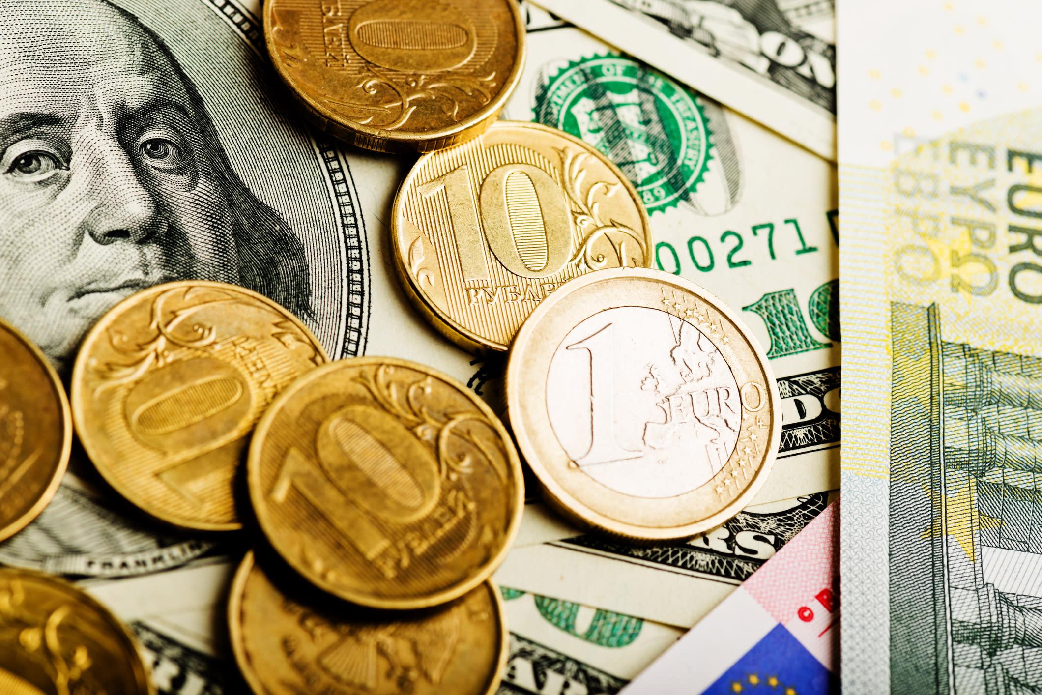 фото долларов евро рубли исполнительницу