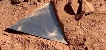 Mysterious metal monolith In Utah desert vanishes