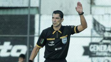 ¿Quién es Mario Díaz de Vivar, el árbitro de Japón-Chile en Copa América?