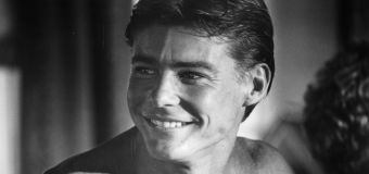 Troubled heartthrob Jan-Michael Vincent dies at 73