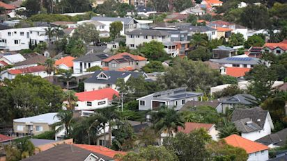 Housing 'credit crunch' poses risk to economy
