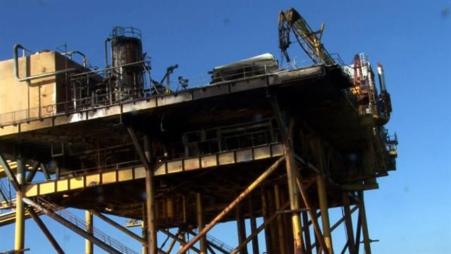 2 missing, 11 hospitalized in Gulf oil rig explosion