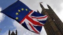 -3 settimane a Brexit, l'accordo di May quotato al 50%