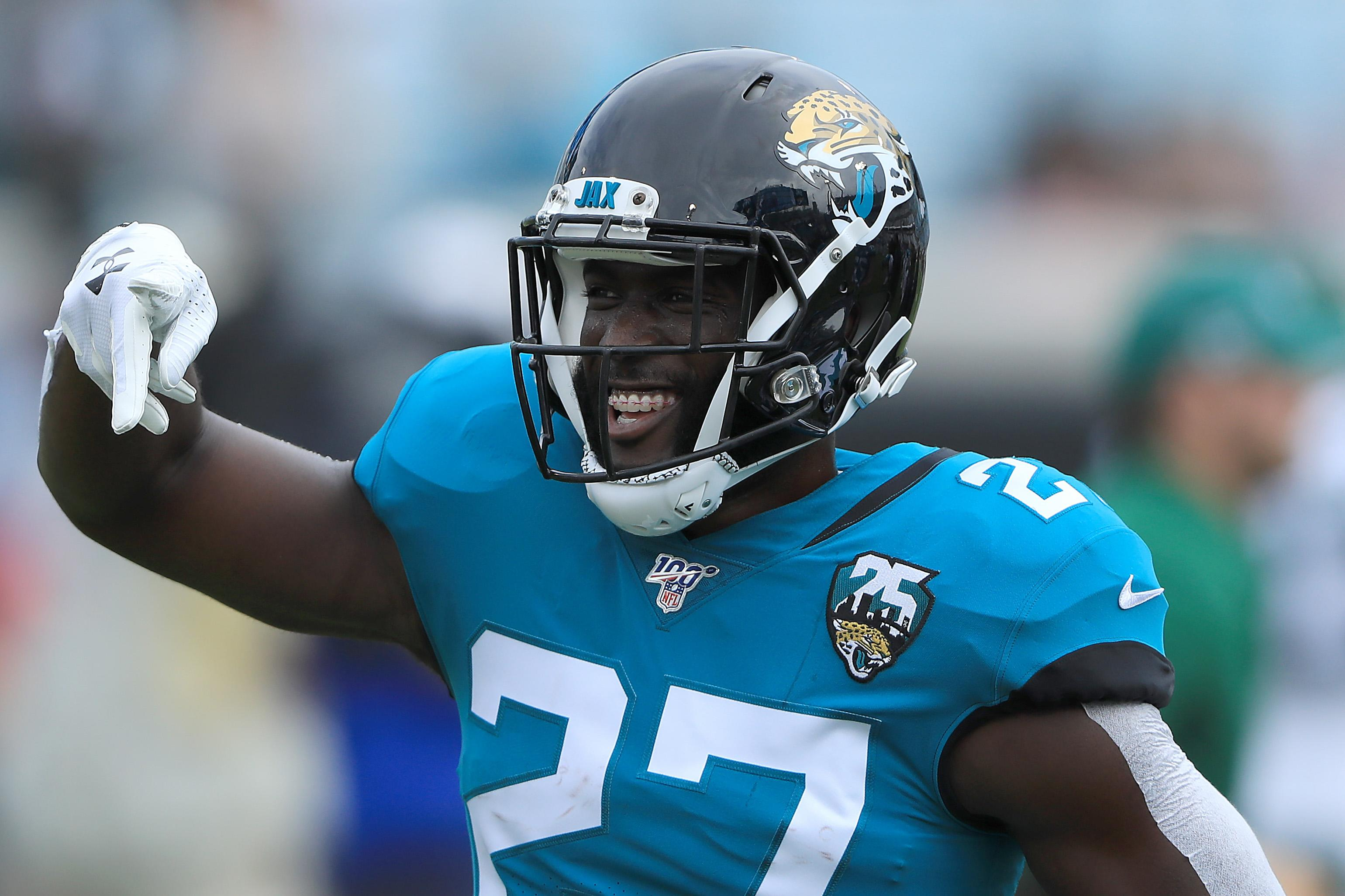Week 11 Yahoo DFS Running Back Picks: Save with value plays to spend elsewhere