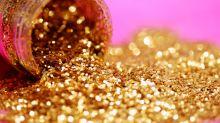 Segundo pesquisa, escolas querem banir o uso de glitter entre os alunos