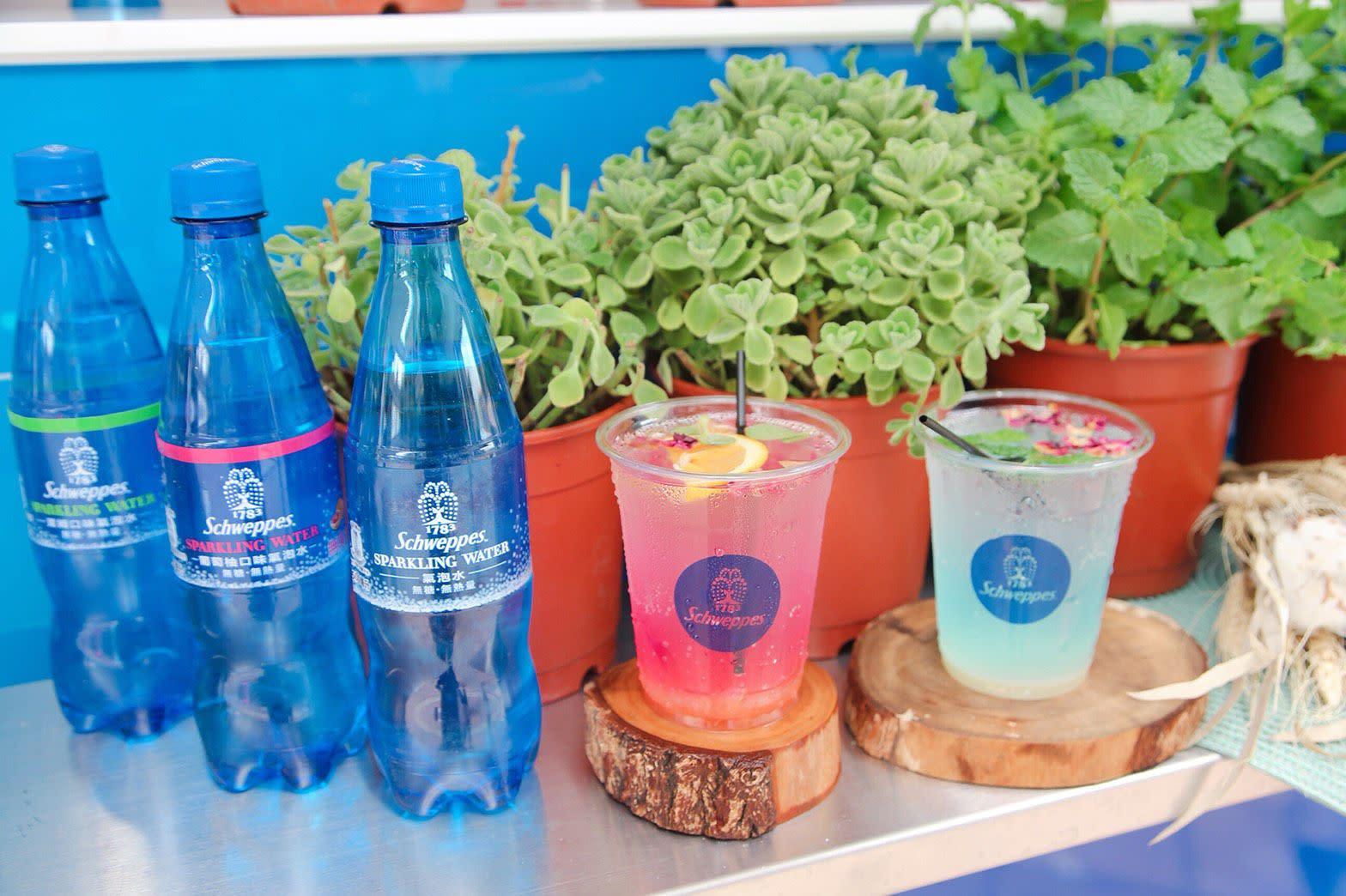 這樣喝水好時尚!網美人手一瓶的氣泡水就是它!