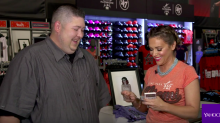 Opening 25-year-old baseball cards with Alyssa Milano