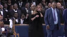 Twitter roasts Faith Hill's Aretha Franklin funeral performance