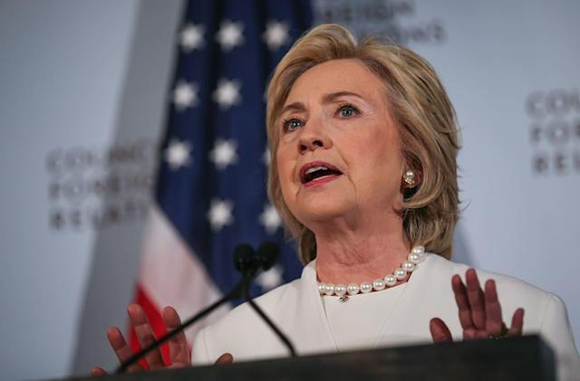 Hillary Clinton calls for cooperation on encryption