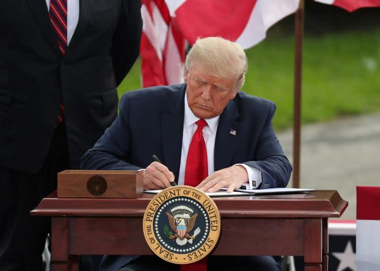 Trump extends oil drilling moratorium off Florida coast