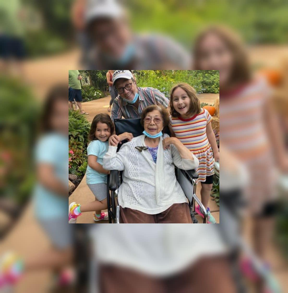 ph.news.yahoo.com: Comedian Rob Schneider's Filipina mother dies