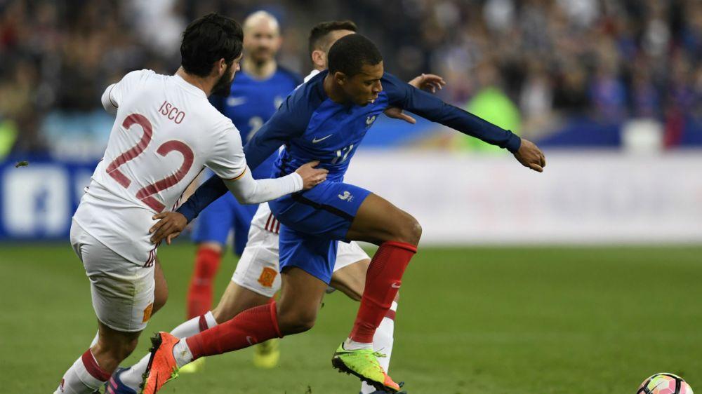Monaco, quand M'Baye Niang donne des conseils à Kylian Mbappé