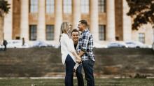 Jason Segel photobombs couple's engagement shoot