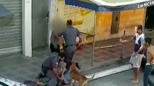 Policial pisa no pescoço de mulher negra e arrasta vítima durante abordagem em bar de São Paulo