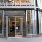 Nordstrom falls after posting disappointing Q1 earnings