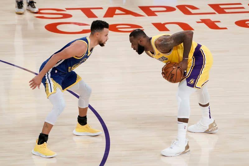 詹皇:Curry是我心中本季的年度MVP