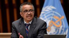 """El director de la OMS dice que algunos países han tomado una """"ruta peligrosa"""" frente a la pandemia"""