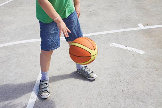 Parents Under Investigation After 11-Year-Old Plays Alone in Yard for 90 Minutes