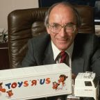 Toys R Us Founder Charles Lazarus, 94, Dies As His Empire Comes To A Close
