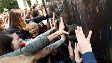 Multidão volta a protestar contra Lukashenko em Minsk e 250 pessoas são detidas