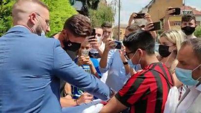 Milan, Giroud è arrivato a Milanello: al via la sua avventura rossonera