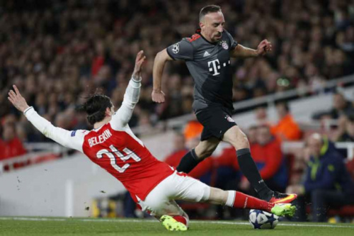 Mau comportamento das torcidas rende multas a Arsenal e Bayern