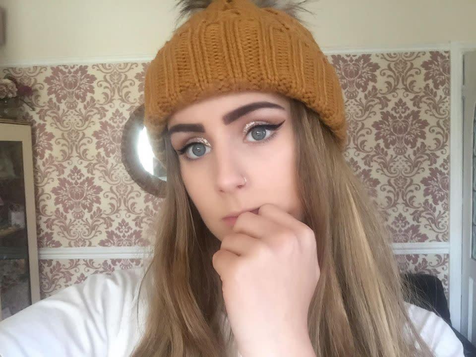 $7 eyebrow tint sticks to teen\'s brows \'like tarmac\'