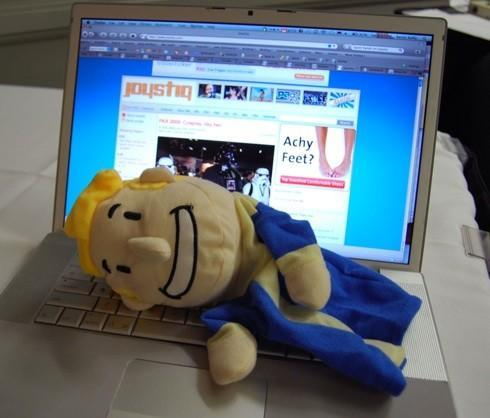 PAX 2008: The Vault-Boy Puppet
