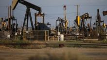 Oil falls on rising U.S. drilling, uncertainty of OPEC-led cut extension