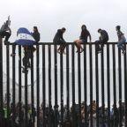 U.S. judge questions Trump administration on asylum policy