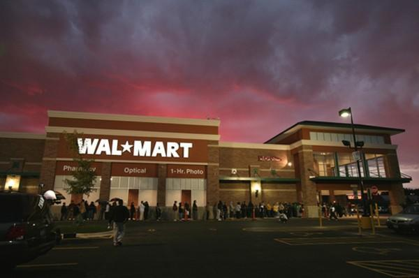 Walmart testing 'Scan & Go' iPhone self-checkout app, cashiers becoming endangered species