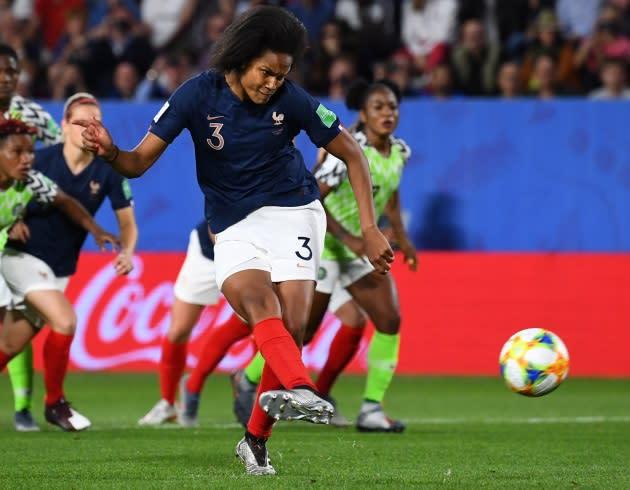 Coupe Du Monde   Le Penalty  U00e0 Retirer Pour Les Bleues Fait