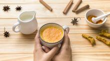 Golden milk: conheça a bebida milenar que equilibra a compulsão alimentar