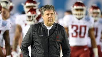 WSU's Mike Leach rips officials in angry texts