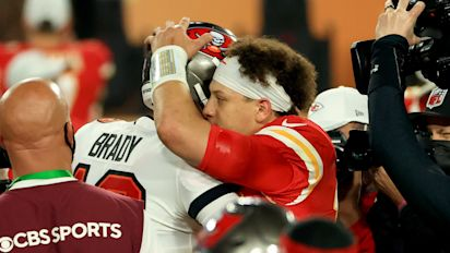 In the cards: Mahomes takes record from Brady