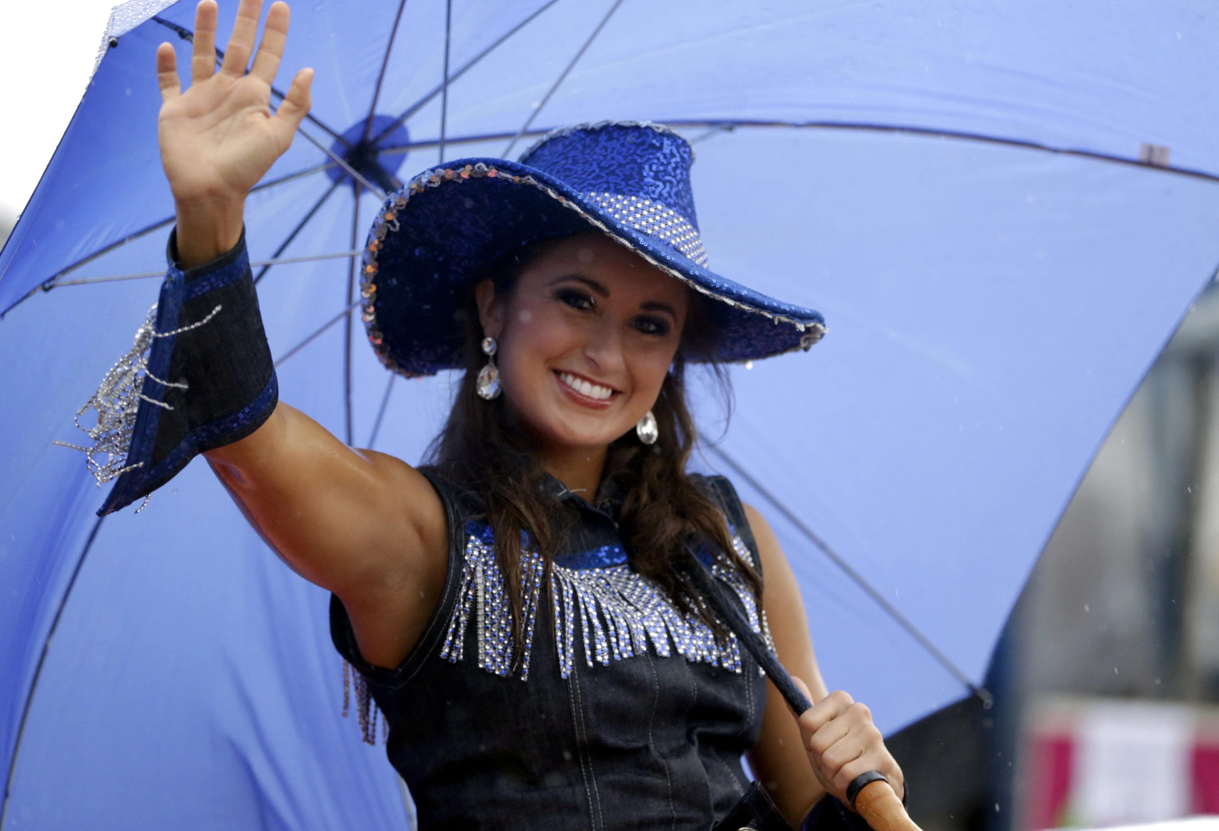 Former Miss Kentucky sentenced to prison for sending