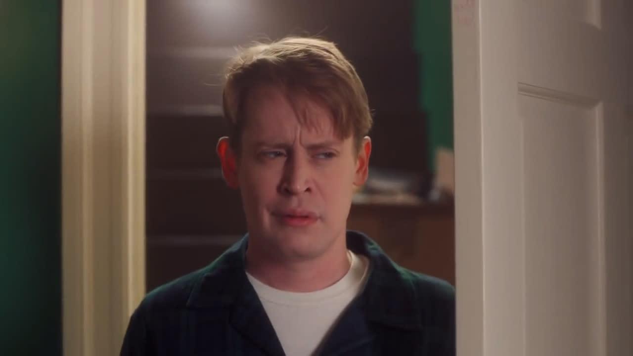 e54445b4e10 Macaulay Culkin recreates iconic  Home Alone  scenes in new ad for Google   Video