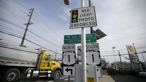 Traffic deaths up in cities that turn off red-light cameras