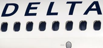 Delta flight plunges nearly 30,000 feet in minutes