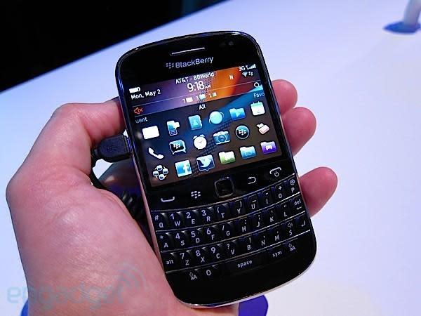 BlackBerry Bold 9900 delayed until September, IT admins everywhere weep