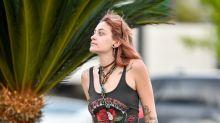 La hija de Michael Jackson presume de sus tatuajes con un look muy casual