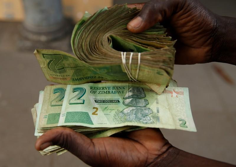 New banknotes fail to arrive as financial crisis in Zimbabwe continues